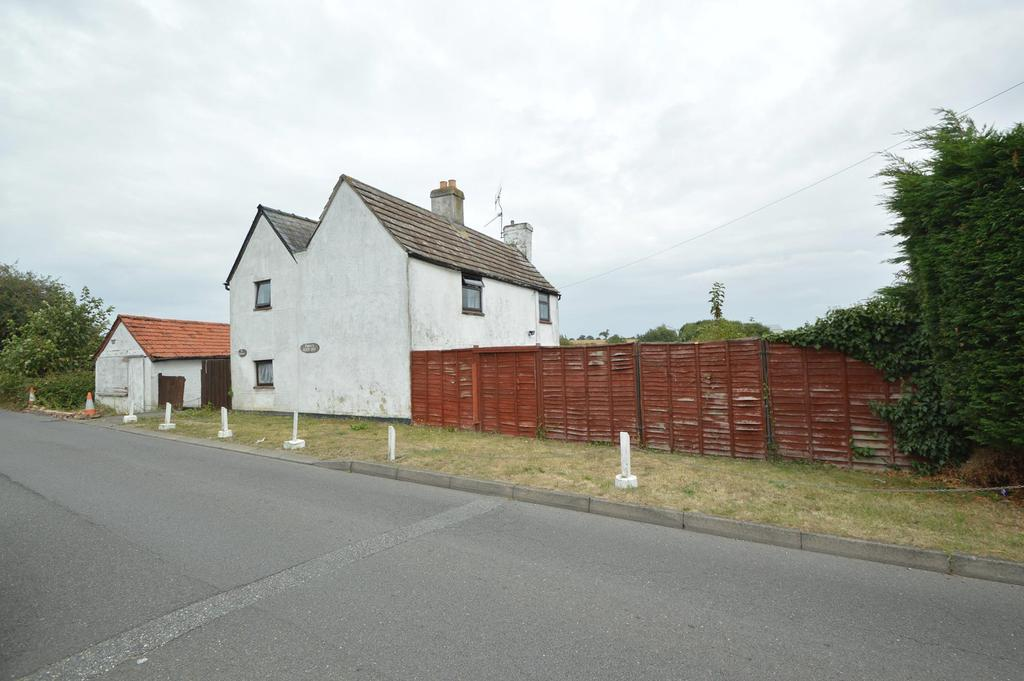 4 Bedrooms Detached House for sale in The Lewishes, Fenn Road, Halstead CO9