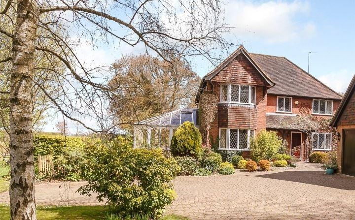 5 Bedrooms Detached House for sale in Copperkins Lane, Amersham, Buckinghamshire, HP6