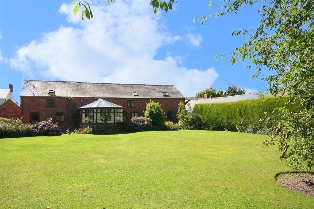 5 Bedrooms Detached House for sale in Queens Head, Oswestry