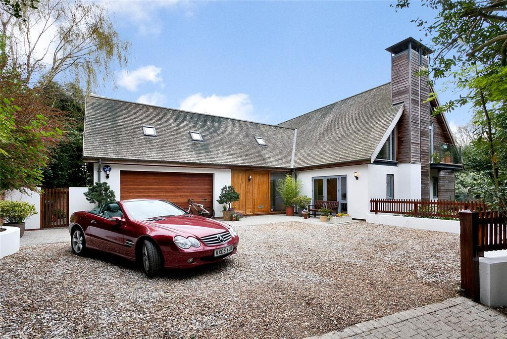 4 Bedrooms Detached House for sale in Holly Walk, Aspley Heath, Bedfordshire, MK17