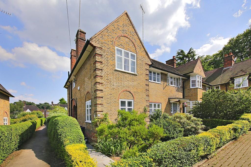 4 Bedrooms Semi Detached House for sale in Coleridge Walk, Hampstead Garden Suburb
