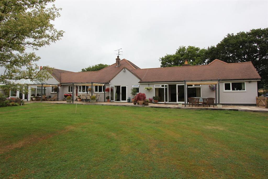 4 Bedrooms Detached Bungalow for sale in Great Totham, Maldon