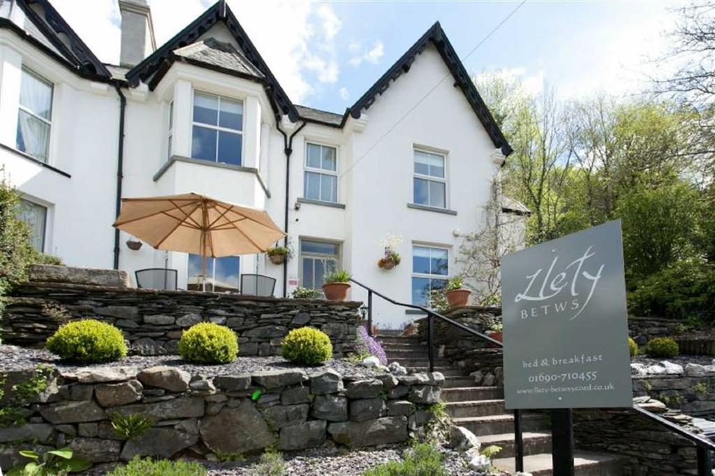 6 Bedrooms Semi Detached House for sale in Lon Muriau, Betws Y Coed, Conwy