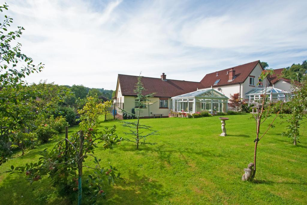 3 Bedrooms Bungalow for sale in Great Meadow, Dulverton
