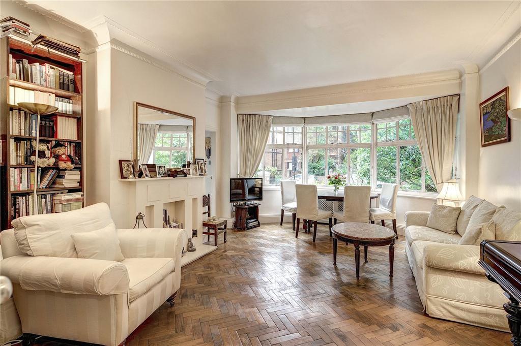 3 Bedrooms Flat for sale in Eton Court, Eton Avenue, London
