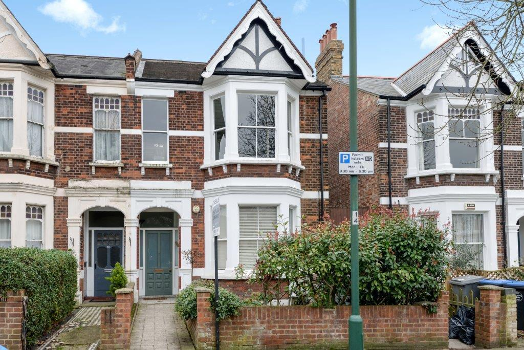 2 Bedrooms Flat for sale in Chevening Road, London, NW6