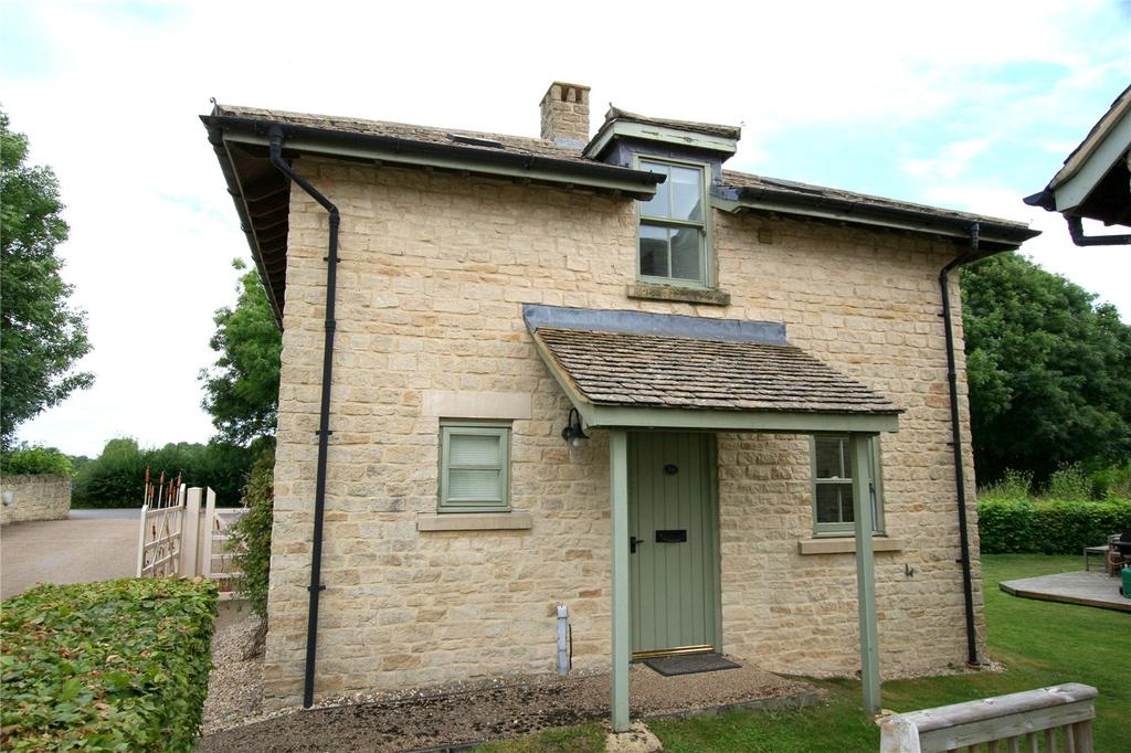 3 Bedrooms Detached House for sale in Mill Village, Somerford Keynes, Cirencester, Gloucestershire