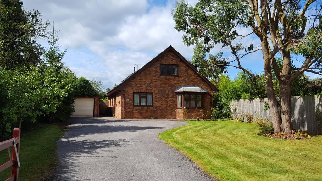 4 Bedrooms Detached House for sale in Upton Park, Upton, Chester