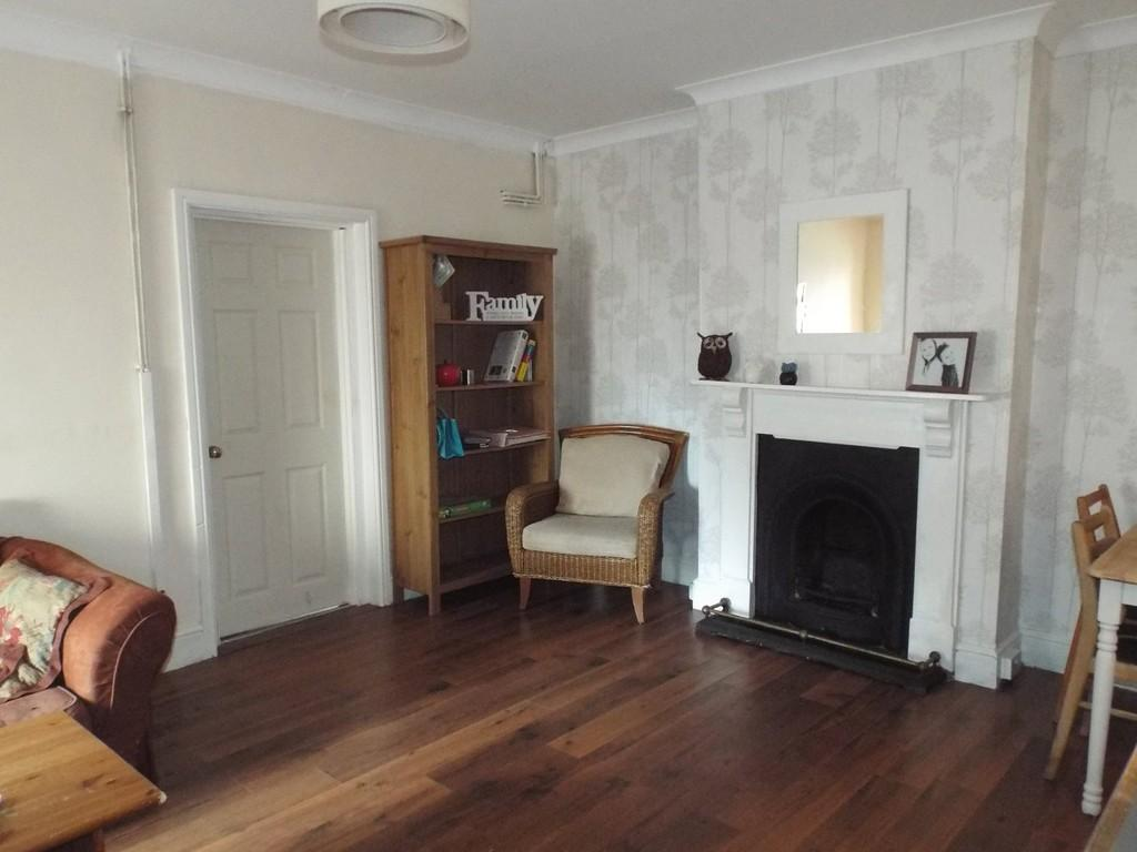 3 Bedrooms Semi Detached House for sale in Penygroes Road, Gorslas