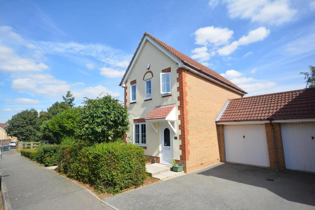 3 Bedrooms Link Detached House for sale in Bridport Way, Braintree, Essex, CM7