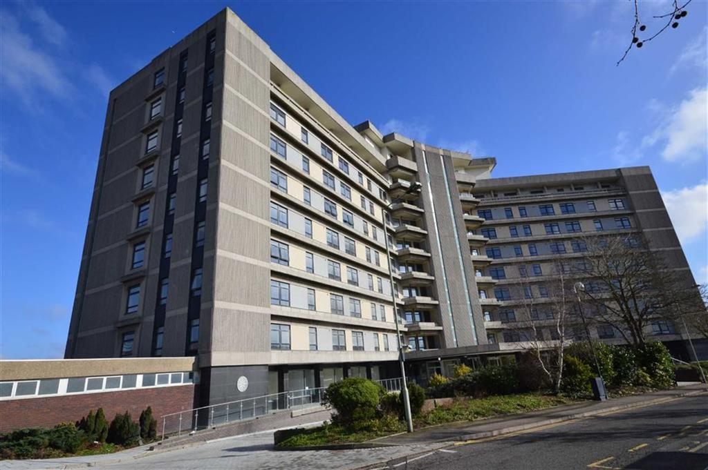 2 Bedrooms Flat for sale in The Panorama, Ashford, Kent