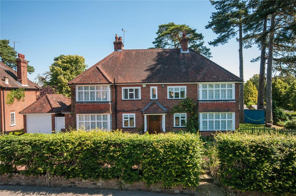 5 Bedrooms Detached House for sale in Sondes Place Drive, Dorking, Surrey, RH4