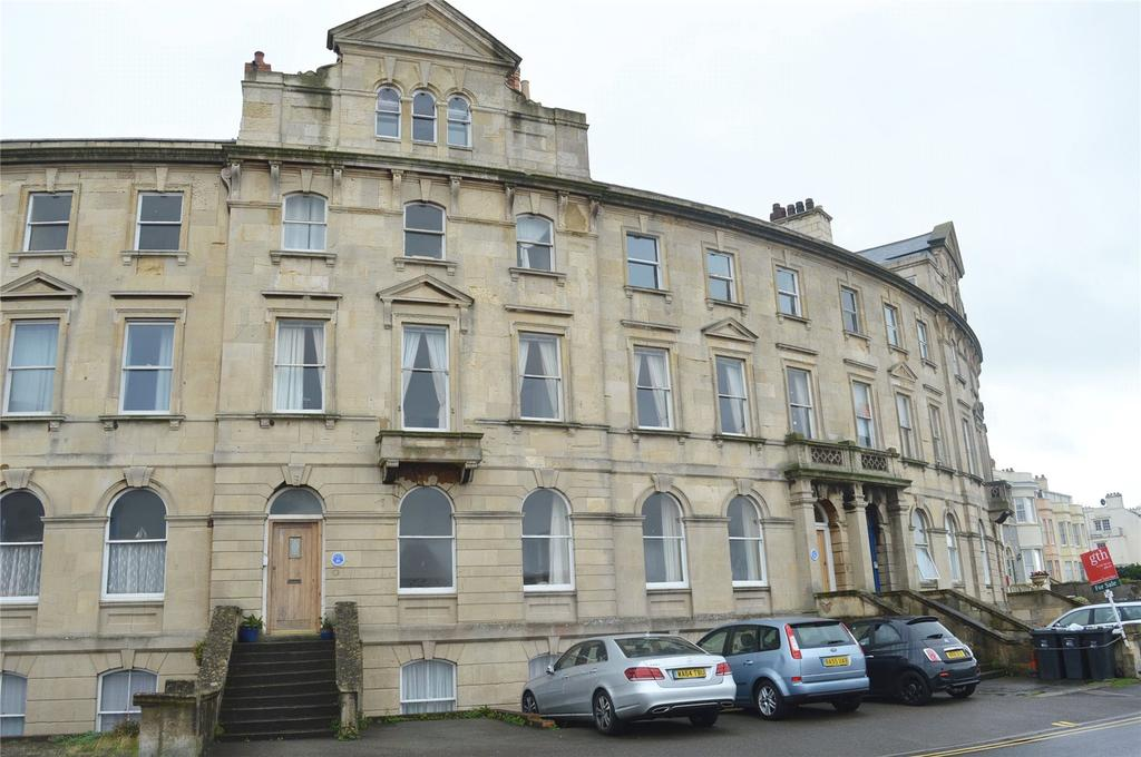 2 Bedrooms Apartment Flat for sale in Burlington Court, 54 Esplanade, Burnham-on-Sea, Somerset, TA8
