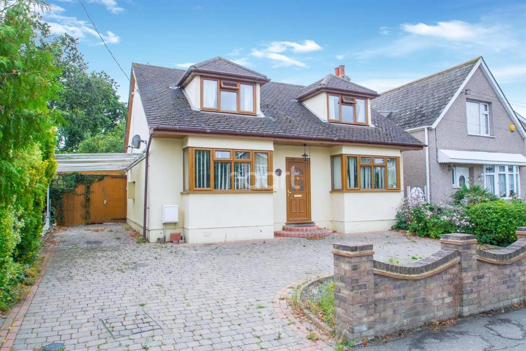 4 Bedrooms Detached House for sale in Broad Oak Way, Rayleigh
