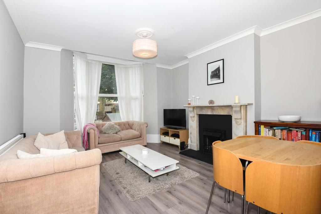 1 Bedroom Flat for sale in Barry Road, East Dulwich, SE22