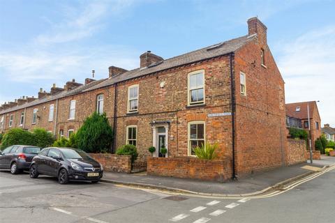 5 bedroom end of terrace house for sale - Northfield Terrace, York
