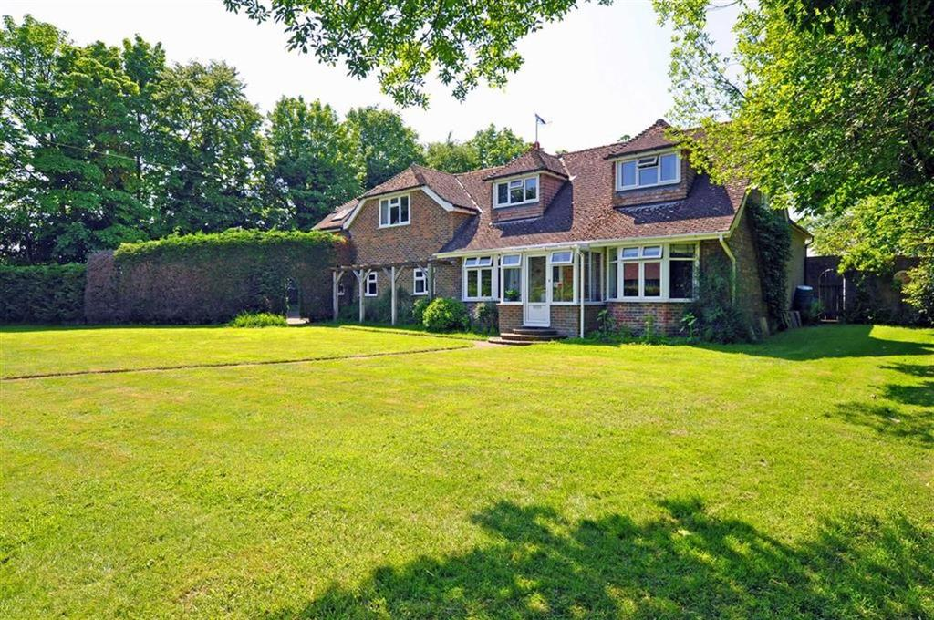 5 Bedrooms Detached House for sale in Herstmonceux