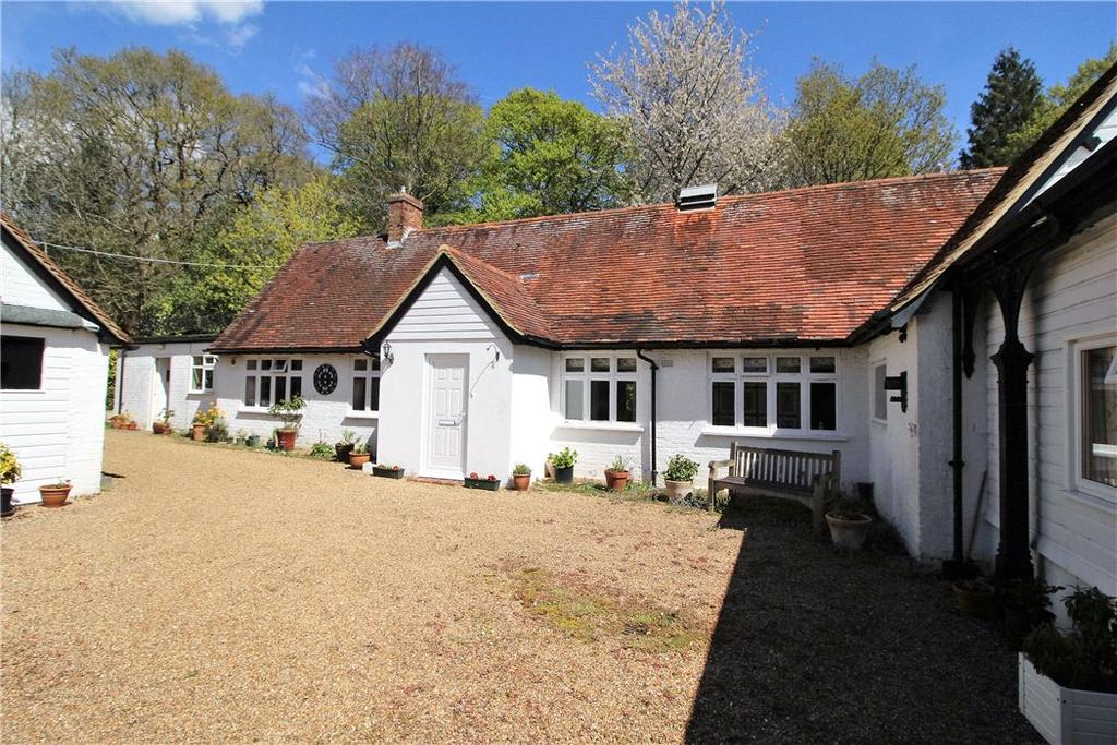 5 Bedrooms Detached House for sale in Cat Street, Upper Hartfield, Hartfield, East Sussex, TN7