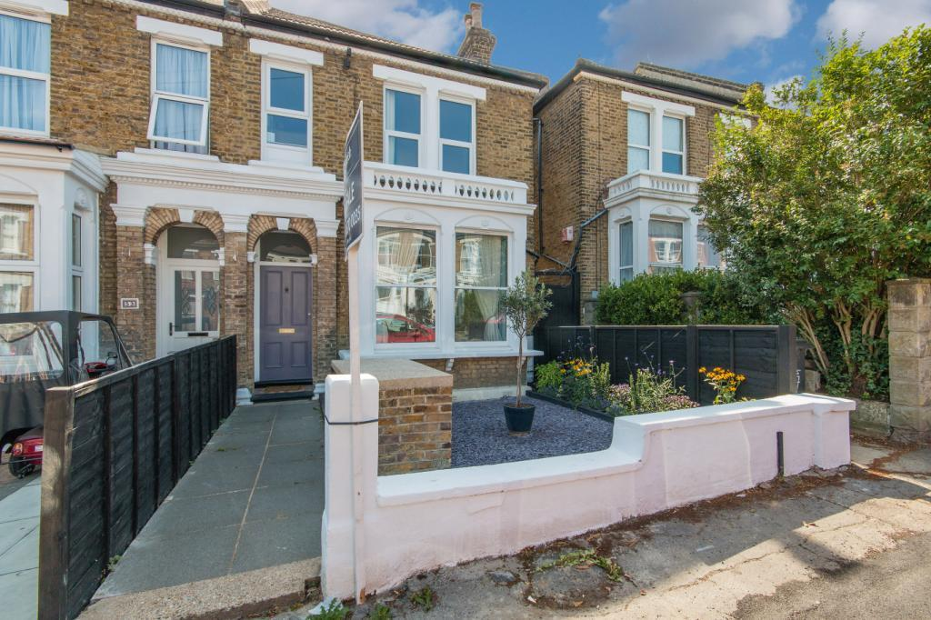 3 Bedrooms Flat for sale in Wolfington Road, London, SE27