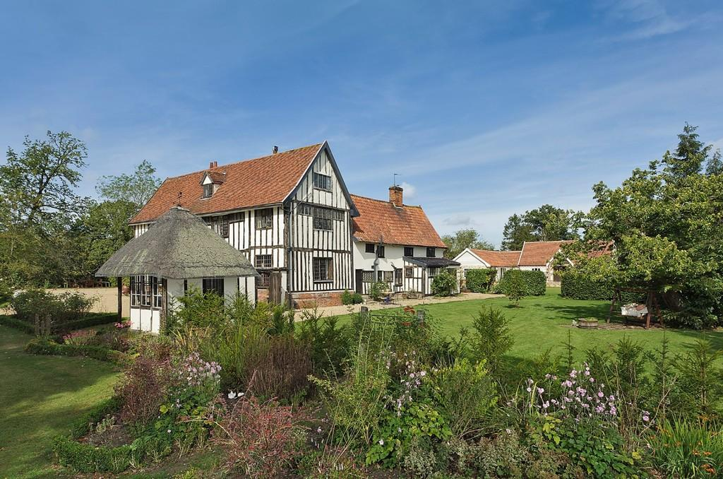 6 Bedrooms Manor House Character Property for sale in Mendlesham, Suffolk