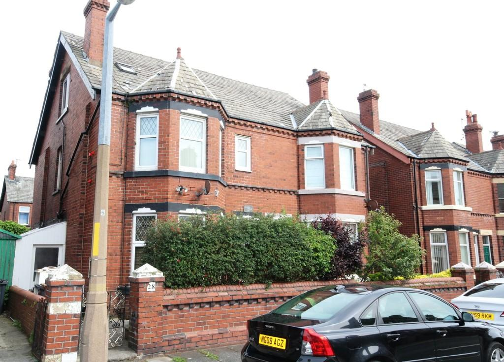 6 Bedrooms Semi Detached House for sale in 28 Windsor Street, Barrow-In-Furness