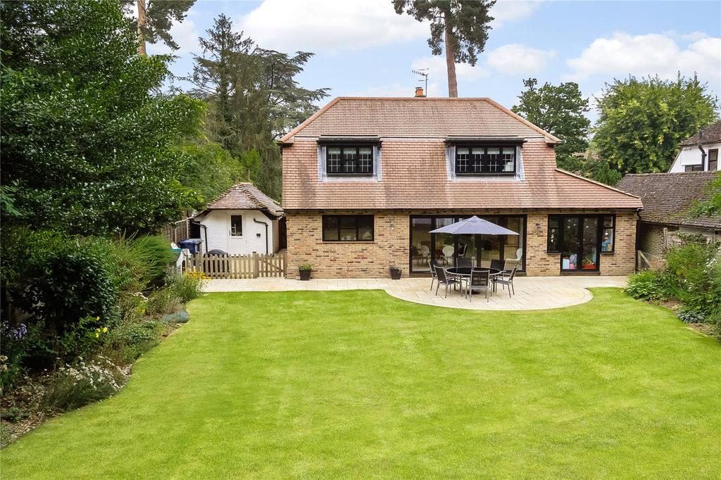 4 Bedrooms Detached House for sale in Linersh Wood, Bramley, Guildford, Surrey