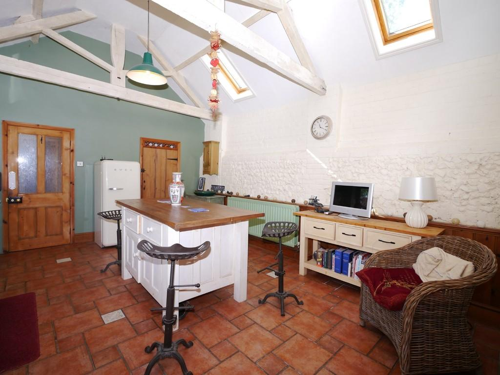 5 Bedrooms Barn Conversion Character Property for sale in Church Road, Ringsfield, Beccles