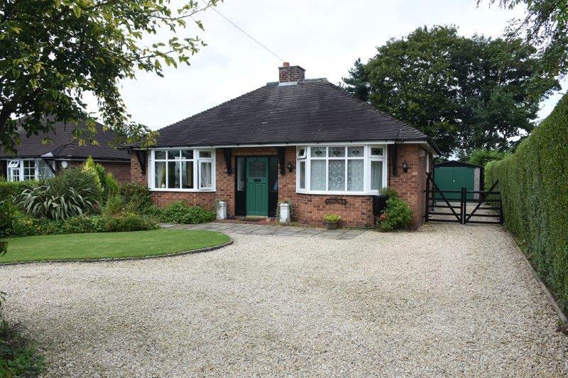 3 Bedrooms Detached Bungalow for sale in Princess Road, Allostock
