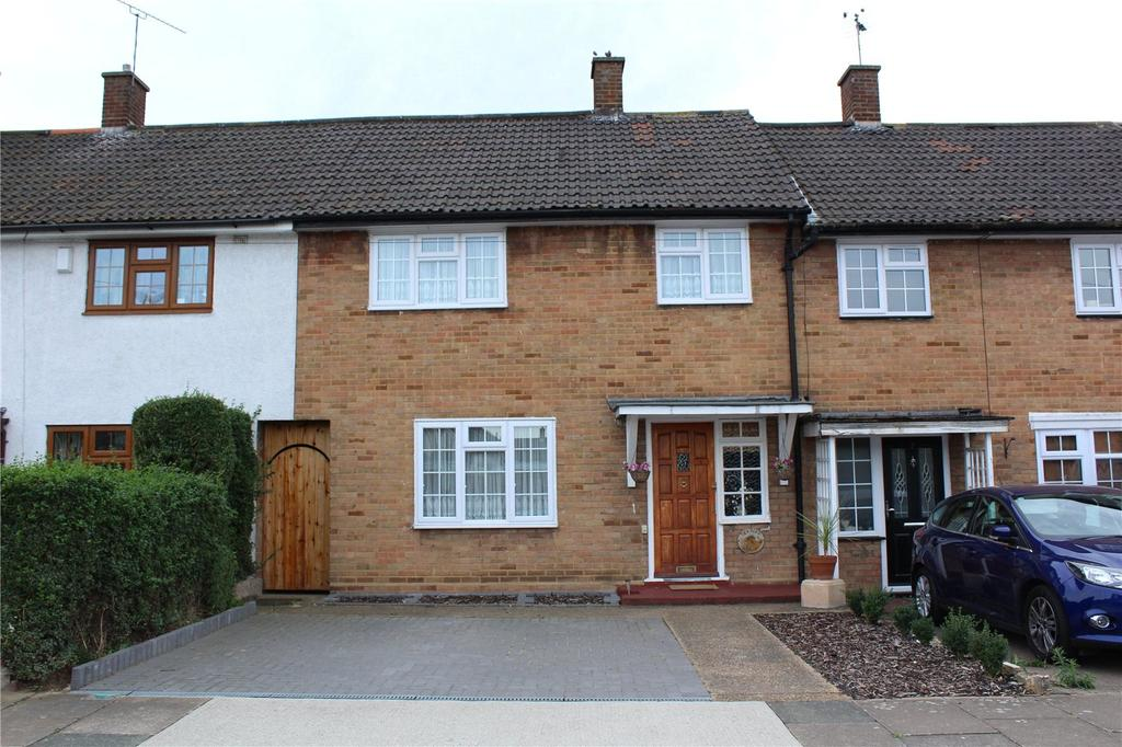 3 Bedrooms Terraced House for sale in Tuck Road, Rainham, RM13