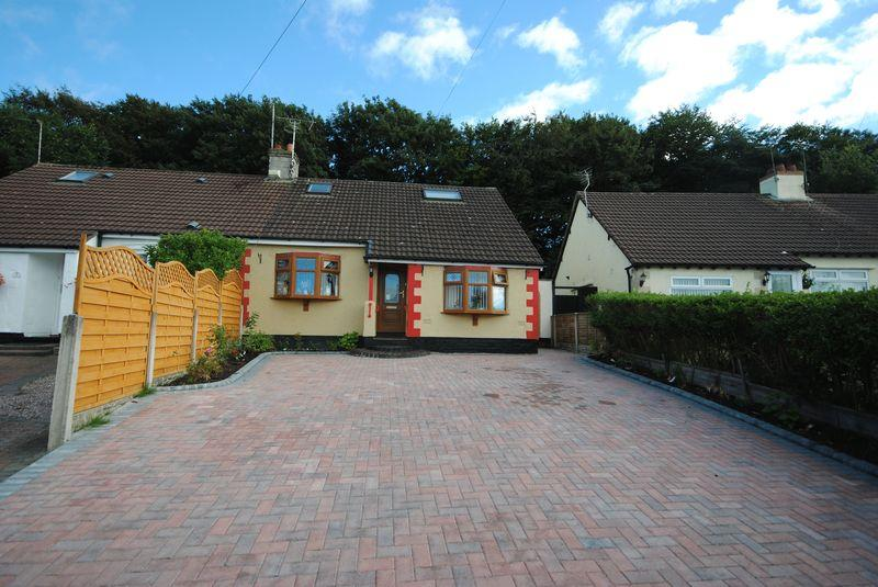 3 Bedrooms Bungalow for sale in Burrell Drive, Moreton