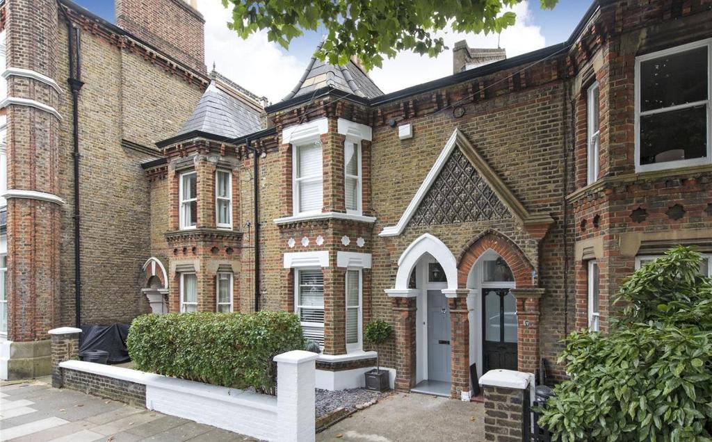 2 Bedrooms Terraced House for sale in Brassey Square, Battersea, London, SW11