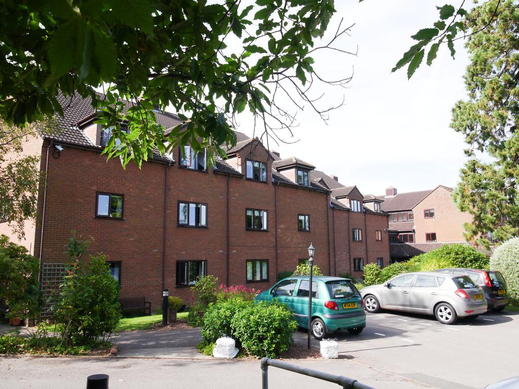 2 Bedrooms Retirement Property for sale in Priory Court, Wellington TA21