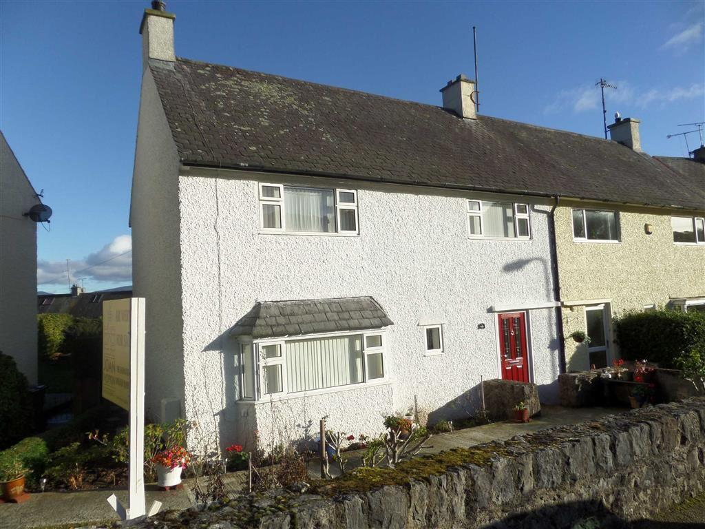 3 Bedrooms Semi Detached House for sale in Maeshyfryd, Beaumaris, Anglesey