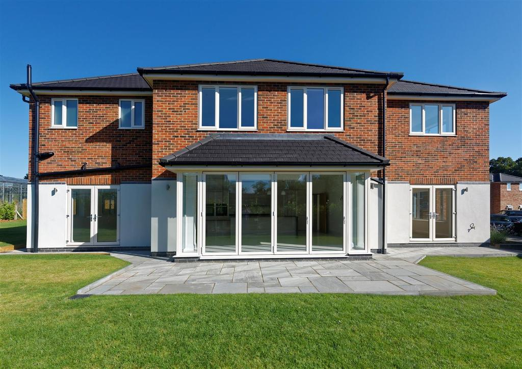 4 Bedrooms Detached House for sale in Harland Way ,Cottingham