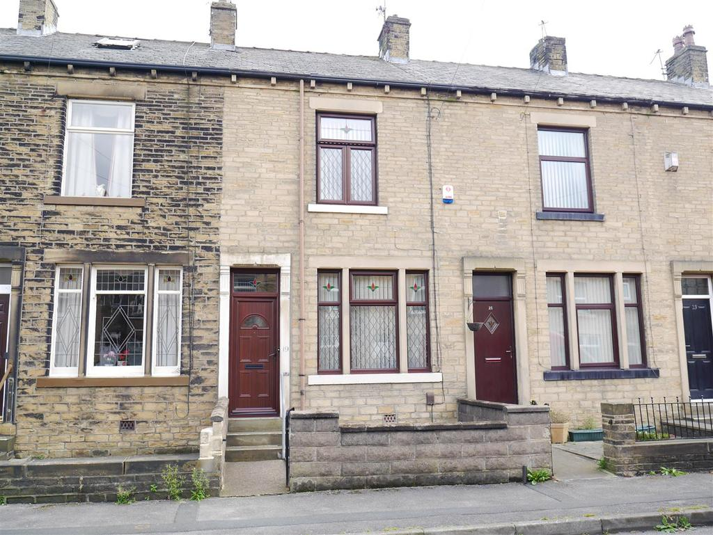 2 Bedrooms Terraced House for sale in Melford Street, Dudley Hill, BD4 9NB