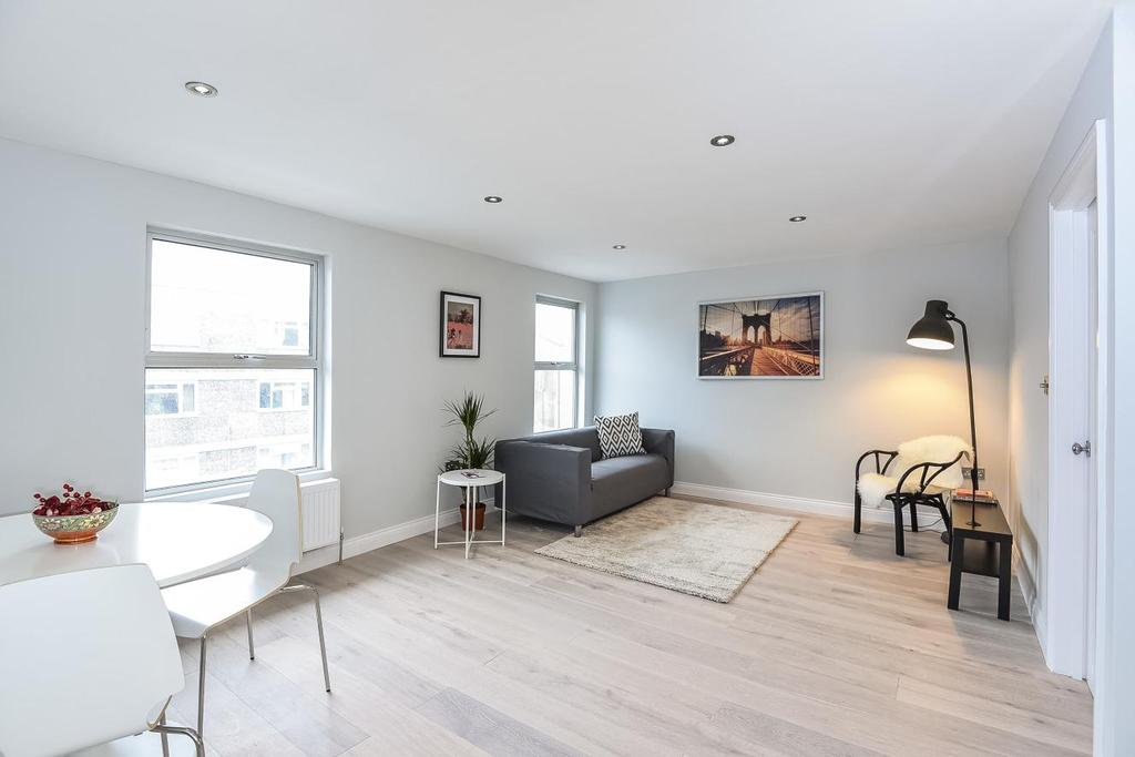 3 Bedrooms Flat for sale in Lime Grove, Shepherds Bush