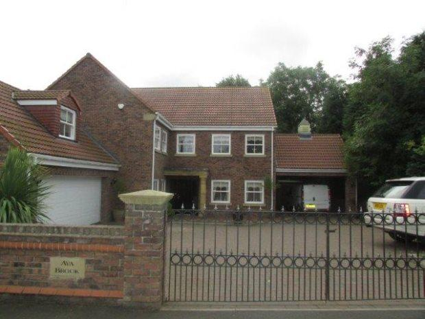 6 Bedrooms Detached House for sale in AVA BROOK, LITTLETHORPE, PETERLEE AREA VILLAGES