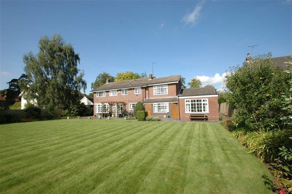 5 Bedrooms Detached House for sale in Well Lane, Mollington, Chester