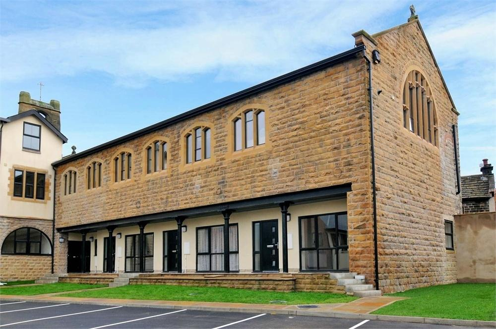 2 Bedrooms Flat for sale in St Patricks Court, Low Lane, Birstall