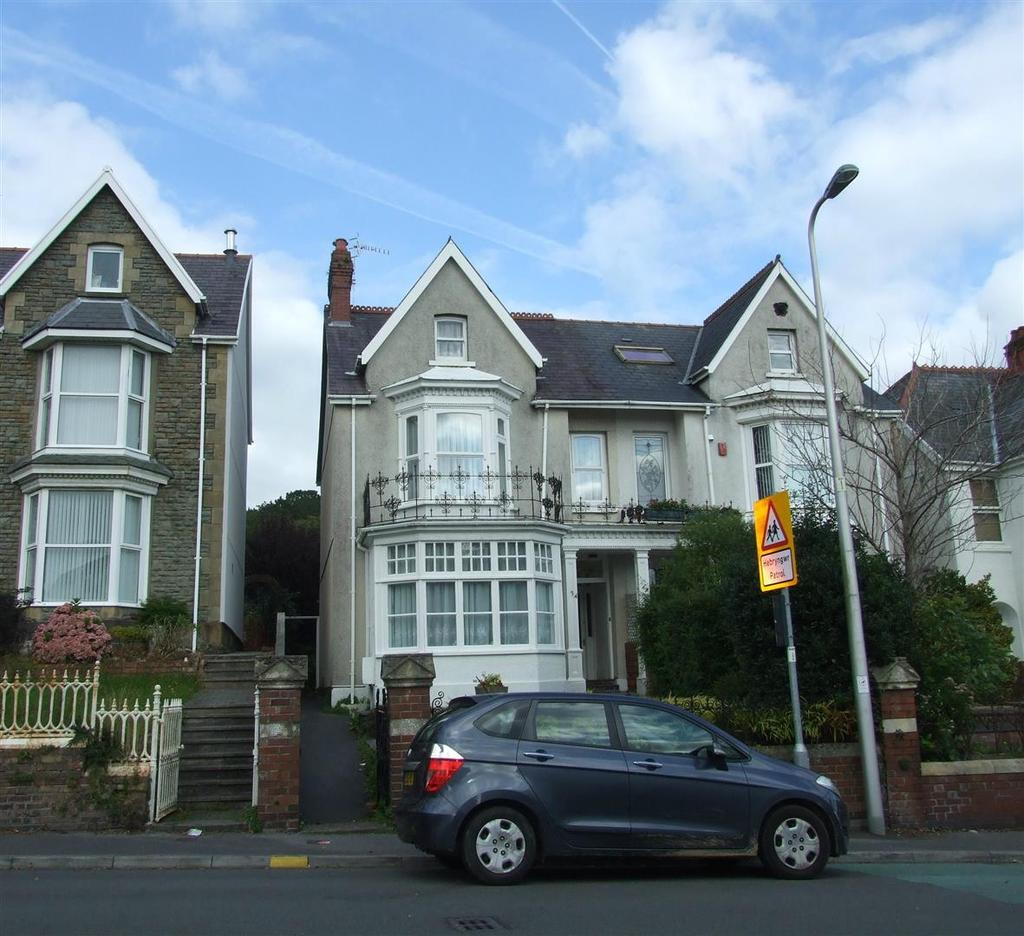 4 Bedrooms Semi Detached House for sale in Old Road, Llanelli