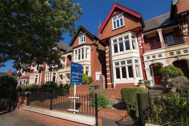 5 Bedrooms Semi Detached House for sale in Ty Draw Road, Penylan, Cardiff, CF23