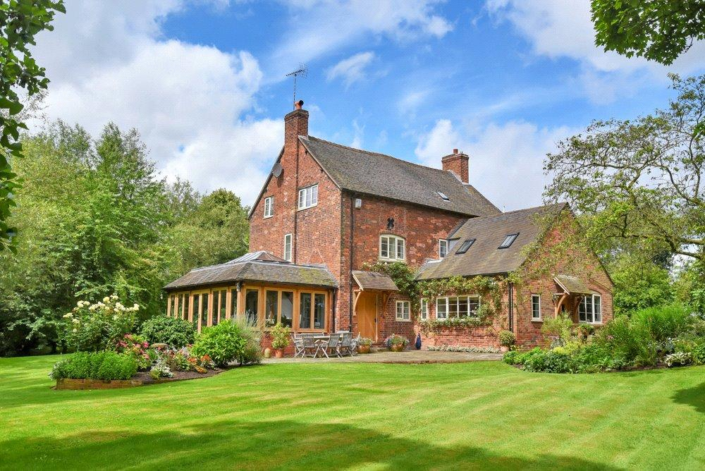 5 Bedrooms Detached House for sale in Ingestre, Staffordshire