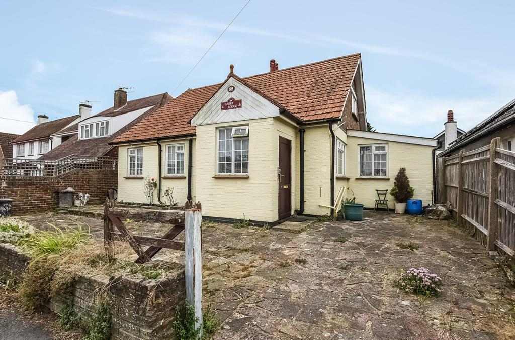 4 Bedrooms Detached Bungalow for sale in Elmer Road, Elmer, Bognor Regis, PO22
