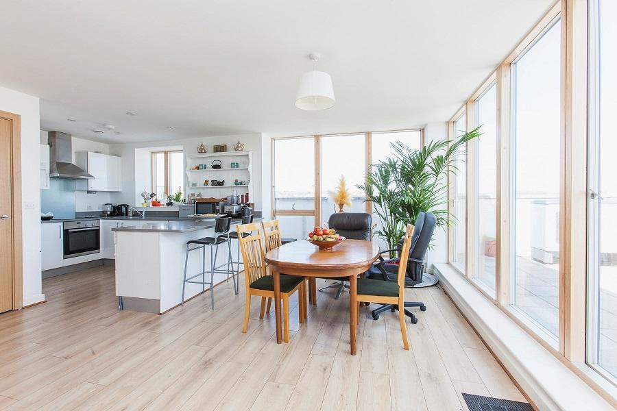 3 Bedrooms Flat for sale in Compton House, Sussex Way, Holloway, London, N7