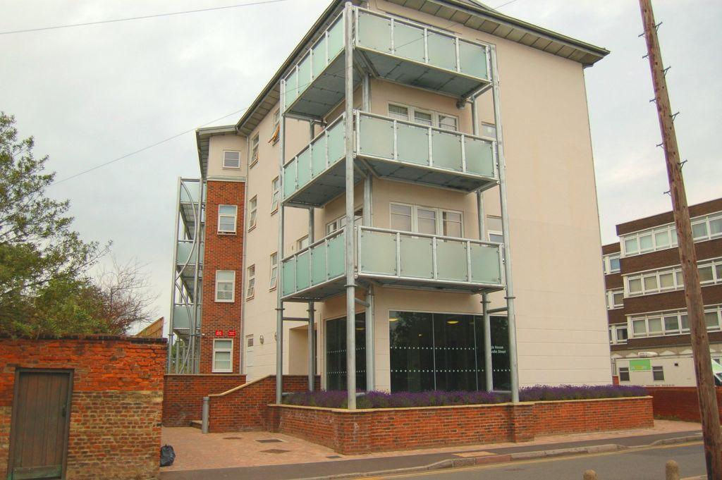 2 Bedrooms Apartment Flat for rent in Regis House