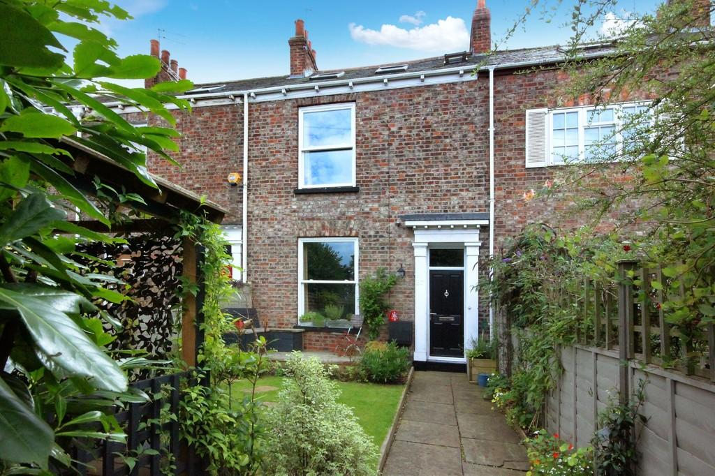 4 Bedrooms Terraced House for sale in 87 Heslington Road York YO10 5AX