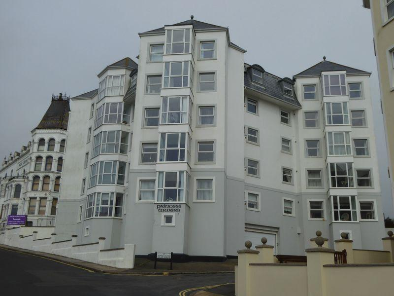 2 Bedrooms Apartment Flat for sale in The Promenade, Port Erin