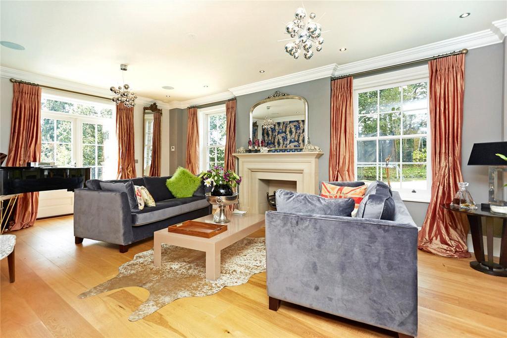 Highlands Road, Reigate, Surrey, RH2 8 bed detached house - £2,625,000