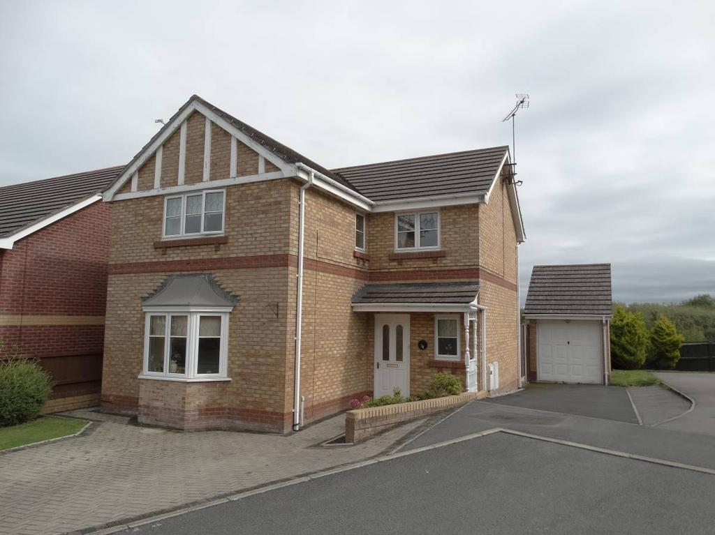 4 Bedrooms Detached House for sale in 39 Hesketh Road, Old Colwyn, LL29 8AT