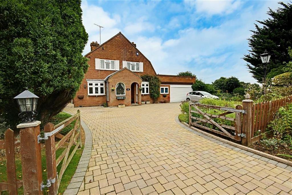 4 Bedrooms Detached House for sale in Bullens Green Lane, Colney Heath, Hertfordshire